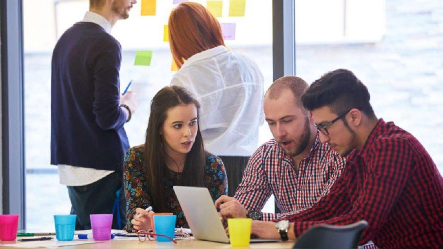Grupo de jóvenes emprendedores