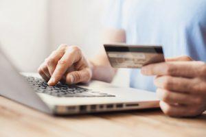 Cómo funciona una tarjeta de crédito comercial