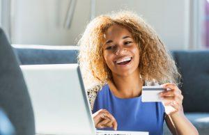 mujer con crédito